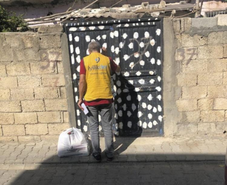 Adıyaman Kahta'da İyilik Gönülleri Yetim Ailelere Hayırseverlerin Yardımlarını Ulaştırdı