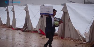 İdlib'te! Savaşın hayatlarını çaldığı insanlara bağışlarınız sayesinde ulaşıyoruz.