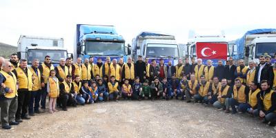 İyilik Derneği'nden Türkiye Sınırına Göç Eden Suriyelilere İnsani Yardım