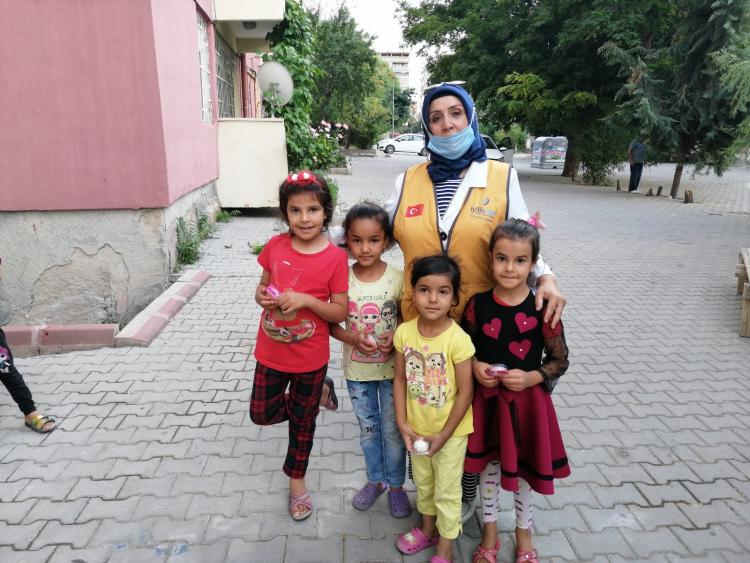 Kırşehir Temsilciliği Yetim Harçlıklarını Teslim Etti
