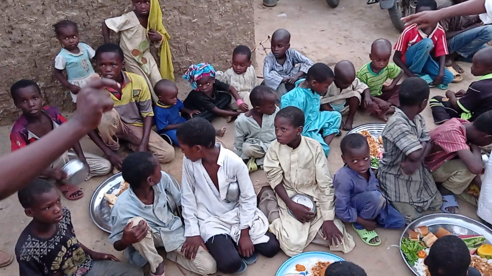iyilik derneği sıcak yemek dağıtımı (6)