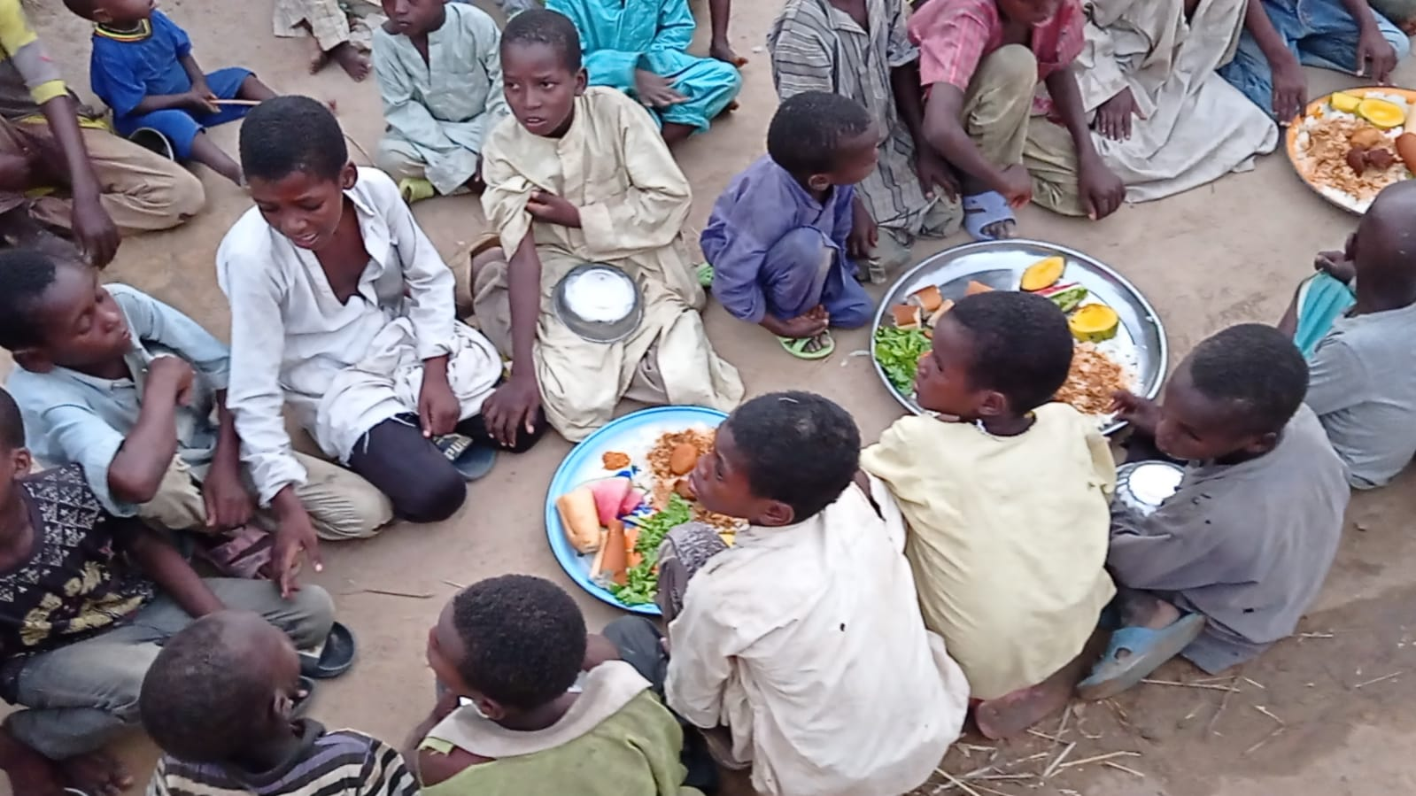 iyilik derneği sıcak yemek dağıtımı (7)